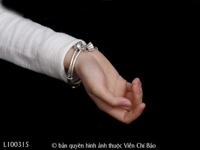 vong-tay-bac-thai-mix-charm-ca-chep