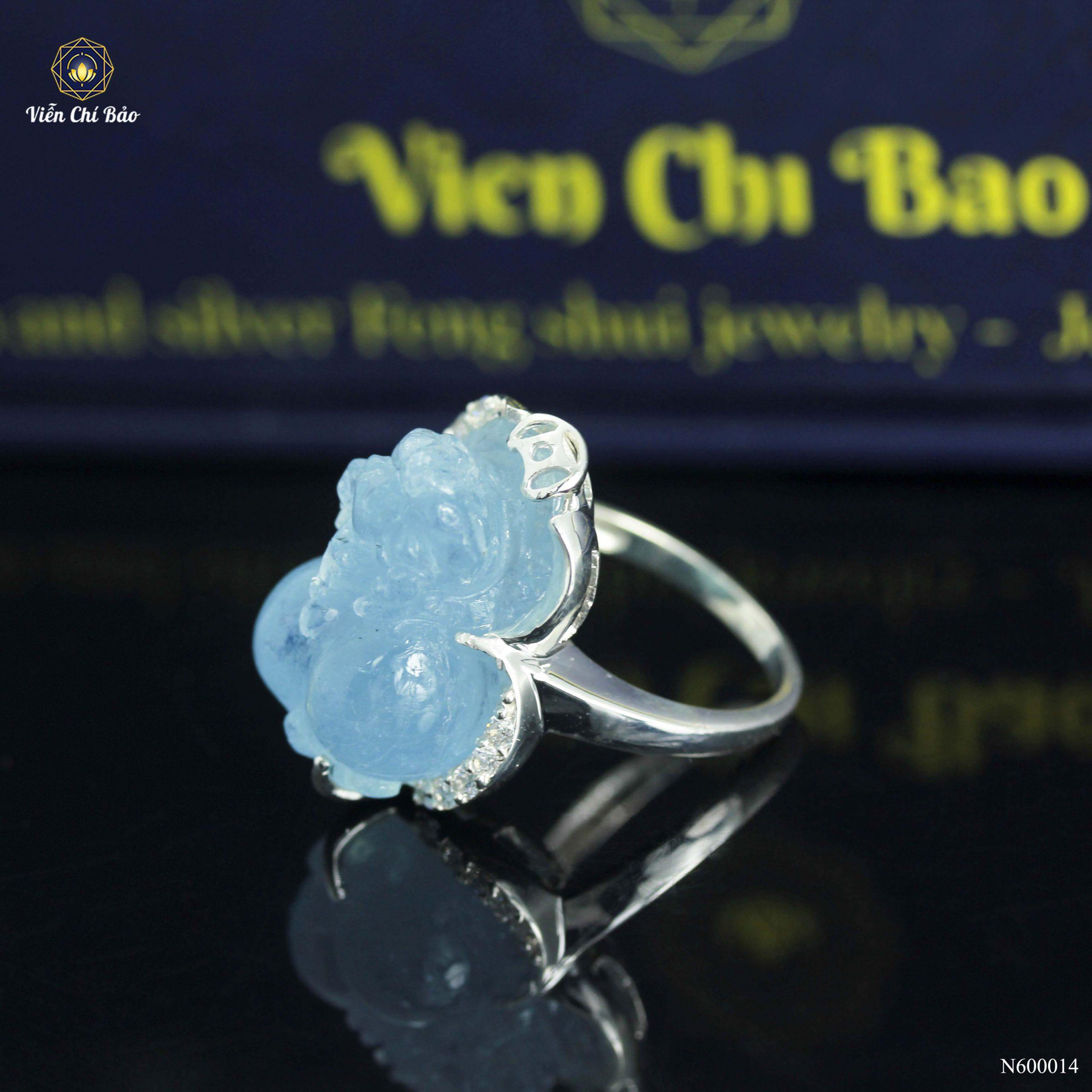 nhan-bac-nu-bac-ty-huu-aquamarine