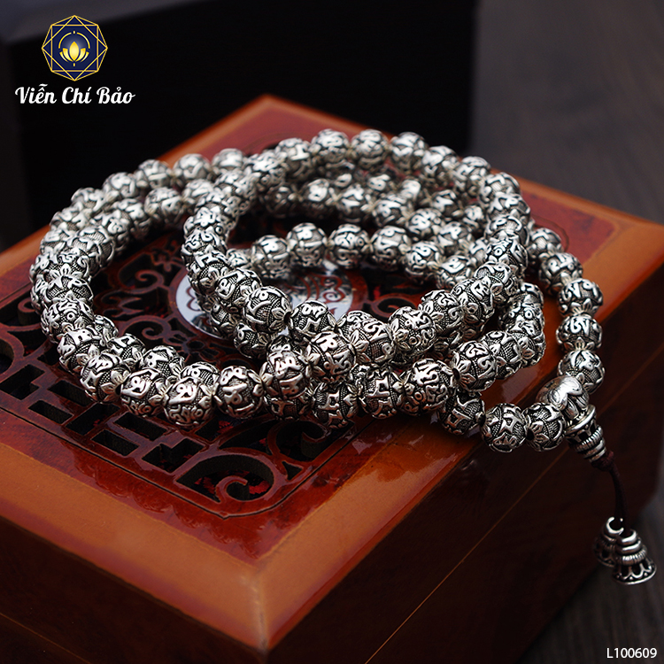 chuoi-108-hat-bac-thai